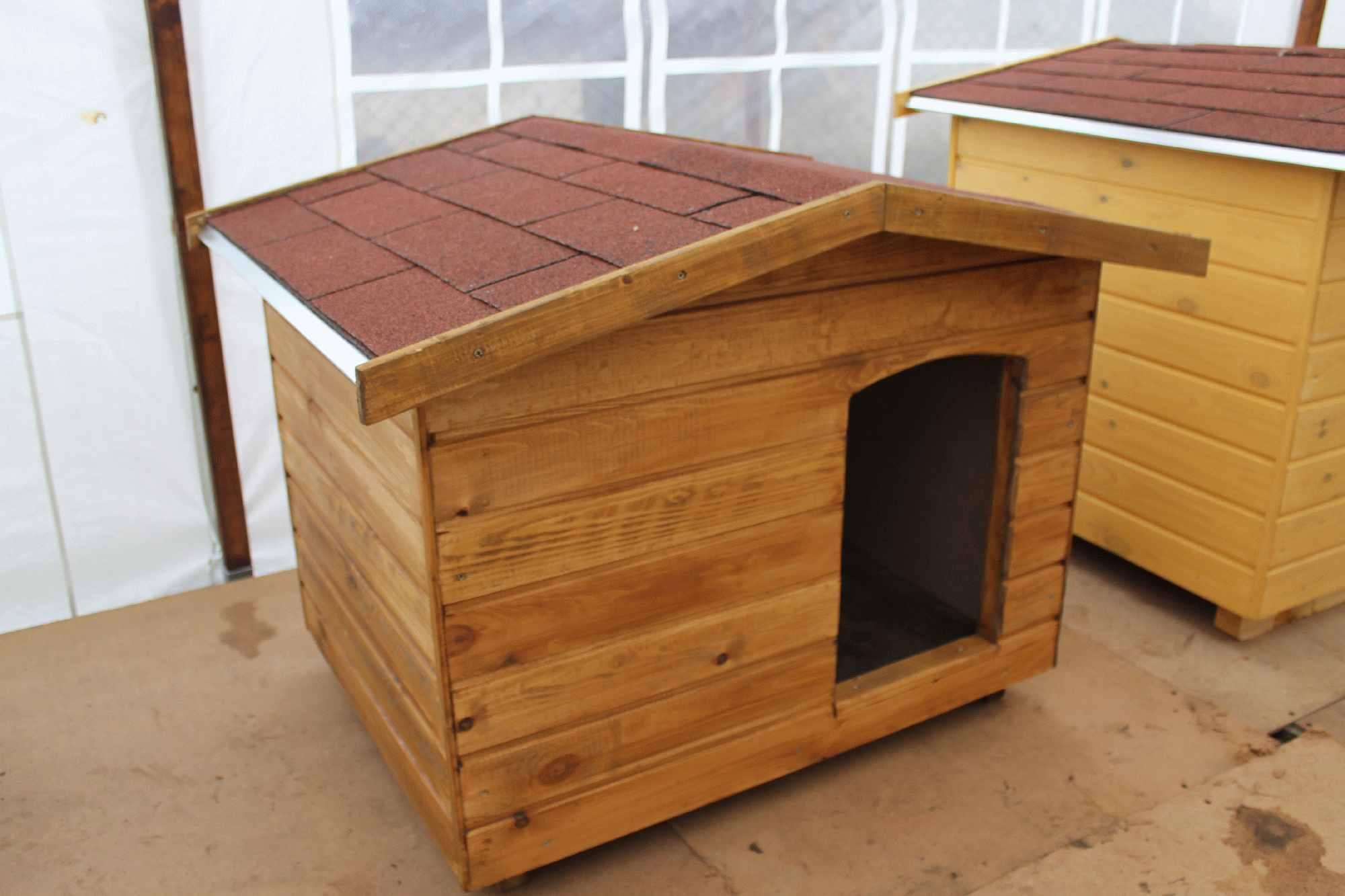 91da9a51ccb3 Amerikai tetős kutyaházak   70X90 hőszigetelt kutyaház fordított ...